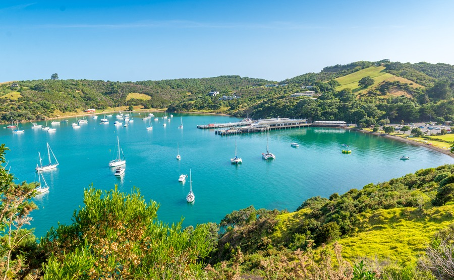 Beautiful bay on Waiheke Island, New Zealand