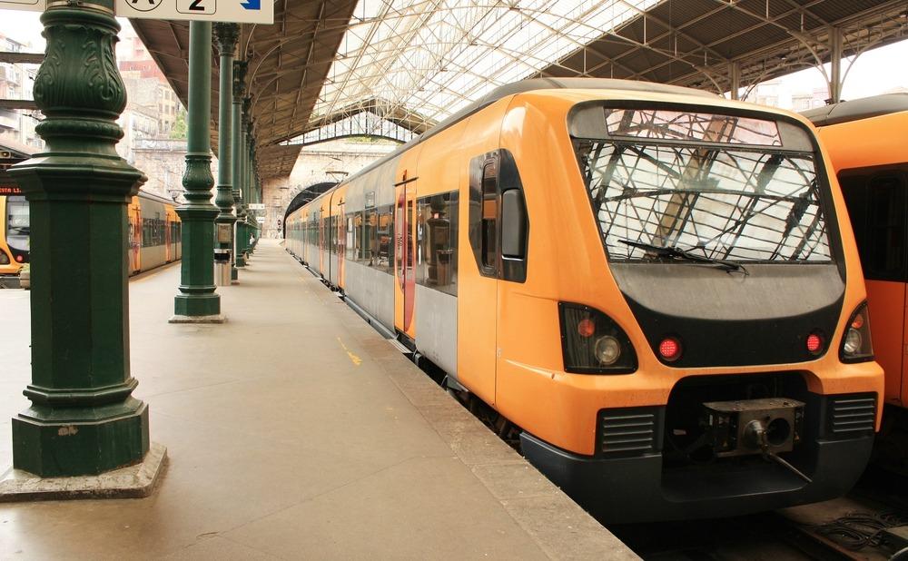 Living-Transport-train