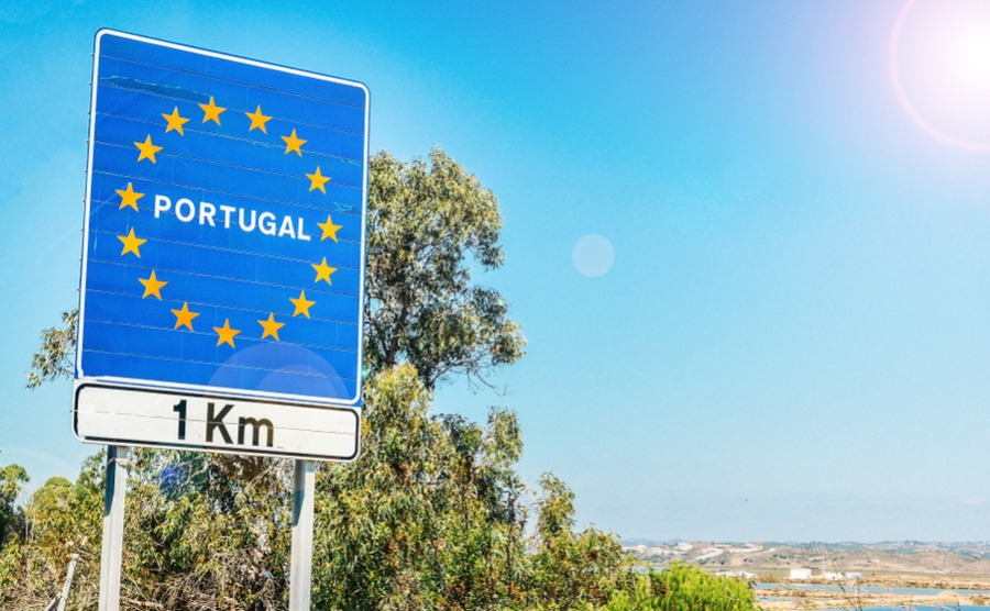 Moving to Portugal before Brexit is the best way to guarantee your rights.