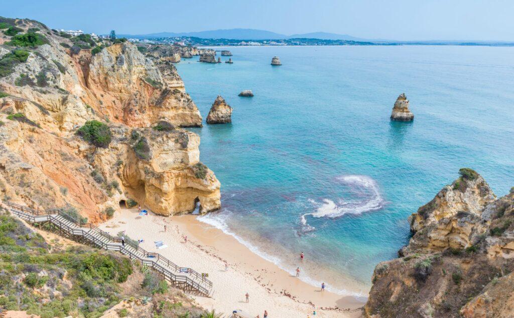 Portugal-Posts-best-place-to-retire-Praia-do-Camilo