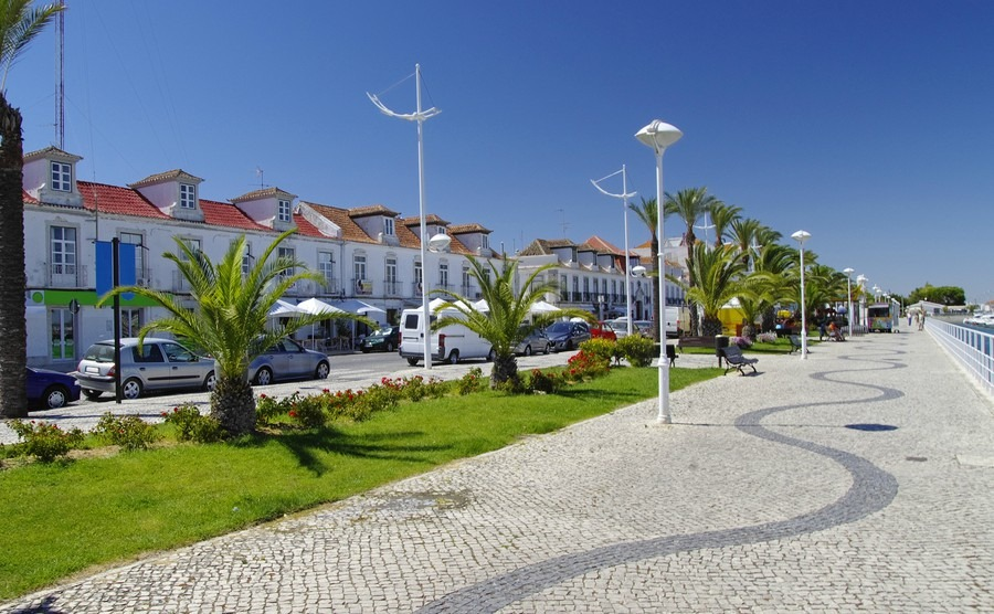 promenade-in-vila-real-de-santo-antonio-border-town-in-portugal
