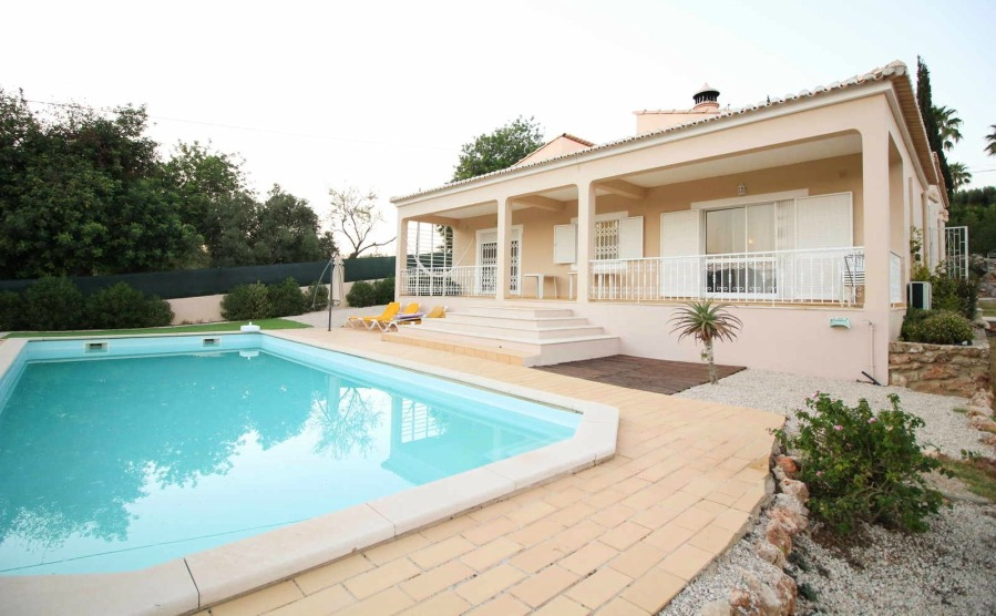 Three-bedroom detached villa in Loulé.