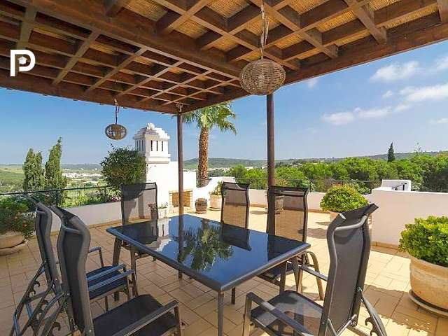 A stunning three-bedroom villa near Lagos. Click on the image to view the property; ideal for retiring to Portugal.