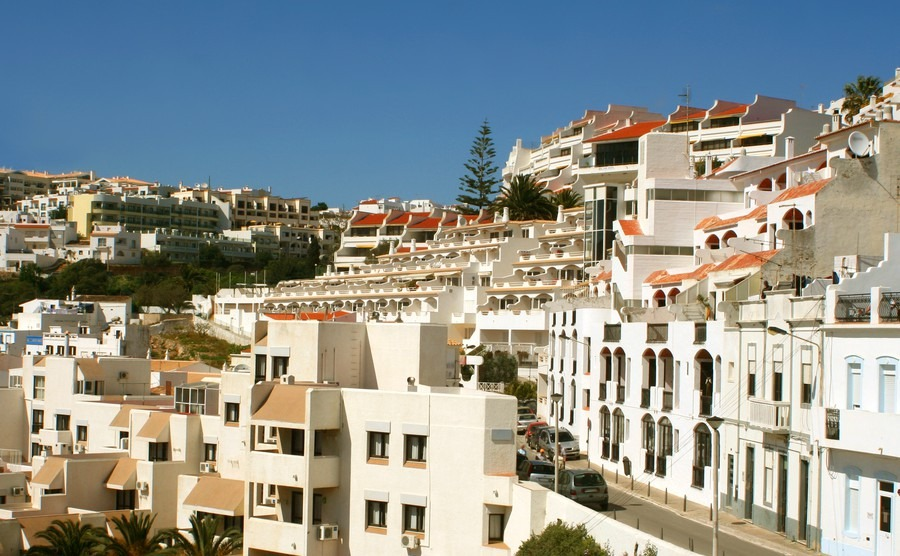 Renting out your property in Portugal