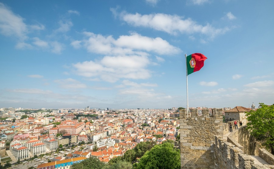 panoramic-view-of-lisbon-from-sao-jorge-castle-in-portugal-europe