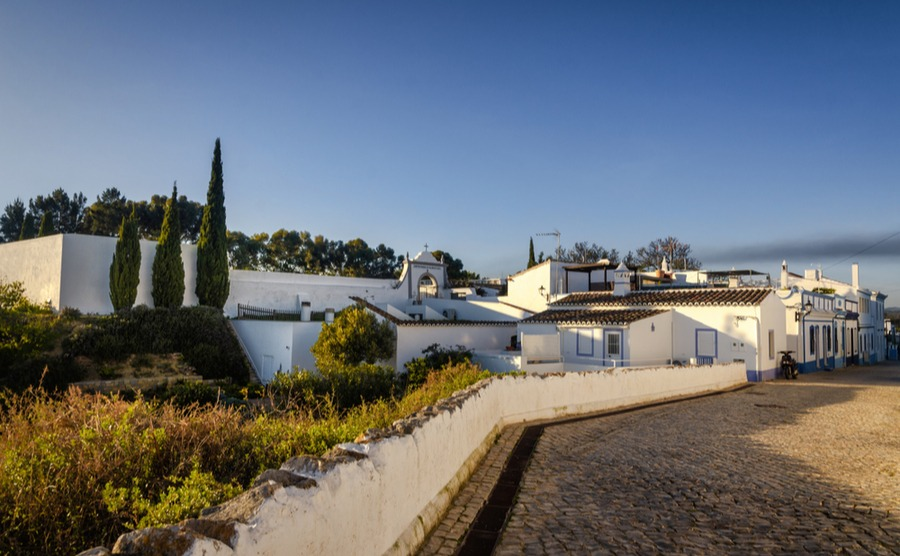 Cacela Velha is located in fantastic countryside and close to some of Portugal's best golf courses.
