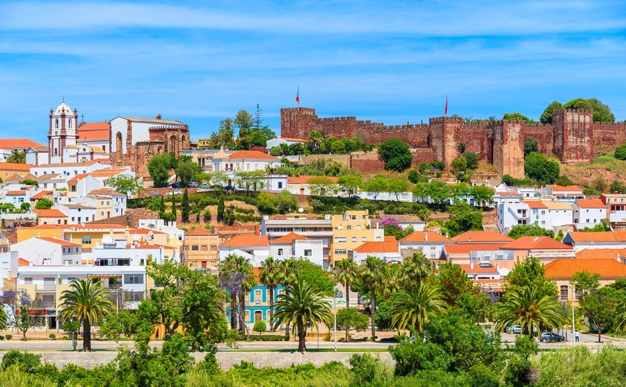 Algarve: where to buy for coast AND countryside