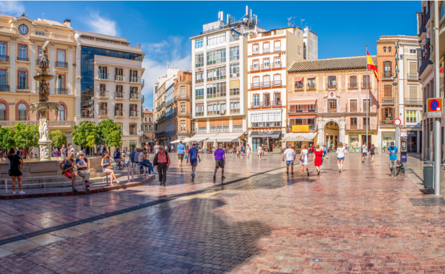 The historic centre is ideal for anyone looking for an authentically Spanish, centrally located spot to buy a property in Málaga.