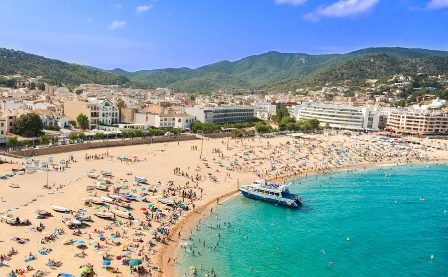 Spain tops tourism league with Mallorca favoured for Easter breaks