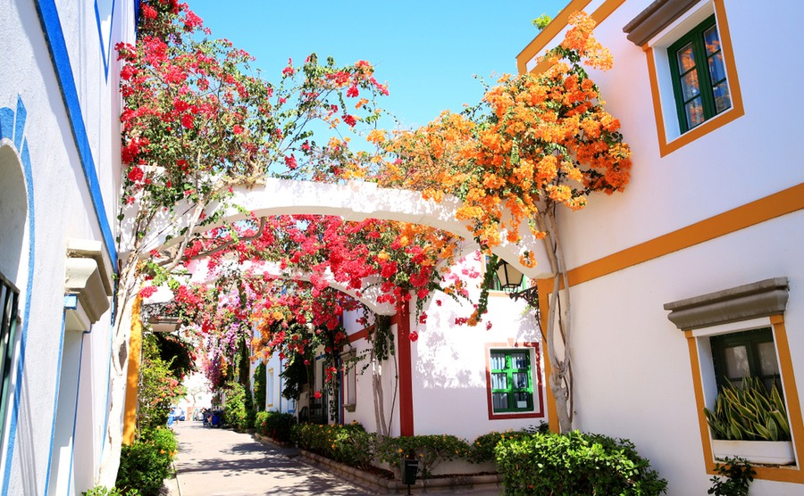 Puerto de Mogán has retained its authentic Spanish atmosphere.