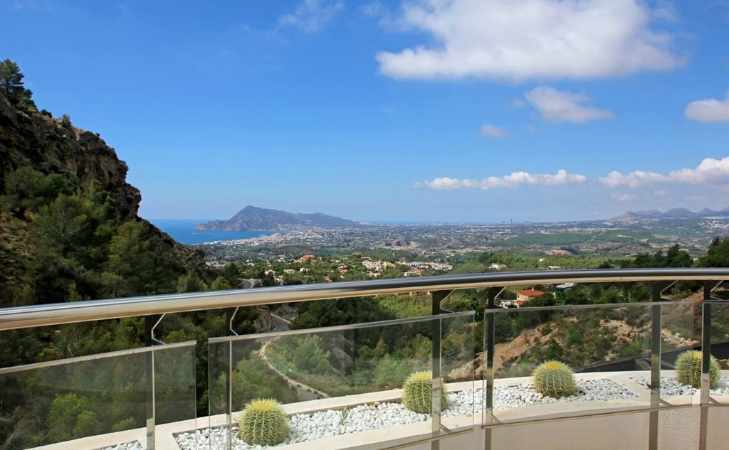 This four-bedroom villa offers panoramic views down to the sea from the Altea Hills.