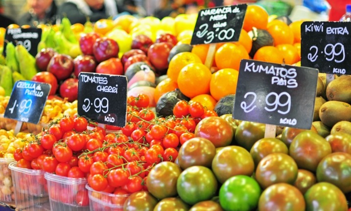 Spain - Cheap fruit and vege in Barcelona markets