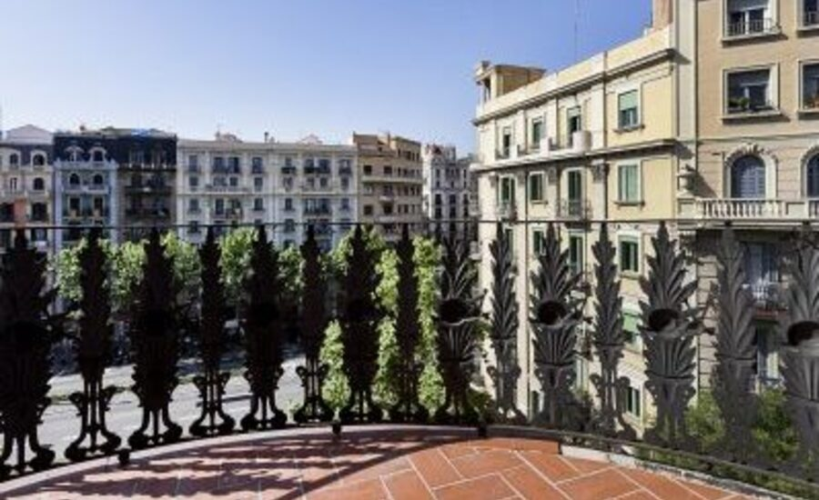 Click on the image to view this apartment in Barcelona.