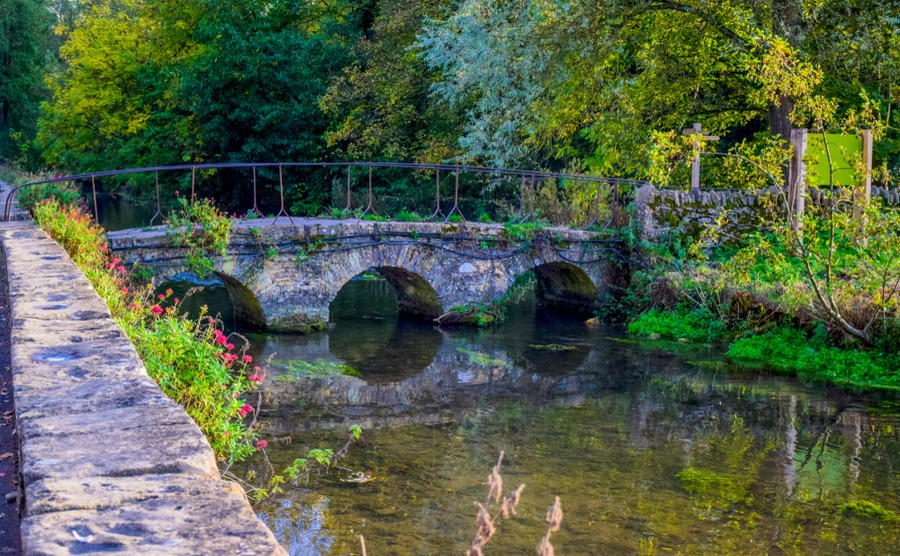 Coln St Alwyn, on the River Coln, is a thriving village in the north and one of the best places to byu a house in the Cotswolds.