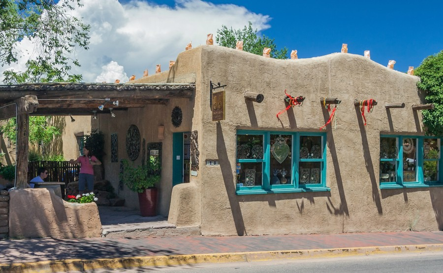 Classical-Adobe-Pueblo-revival-architect