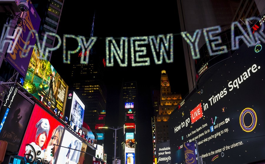 happy-new-year-message-hangs-over-holiday-crowds-and-traffic-as-times-square-gets-prepared-for-new-years-eve-celebrations