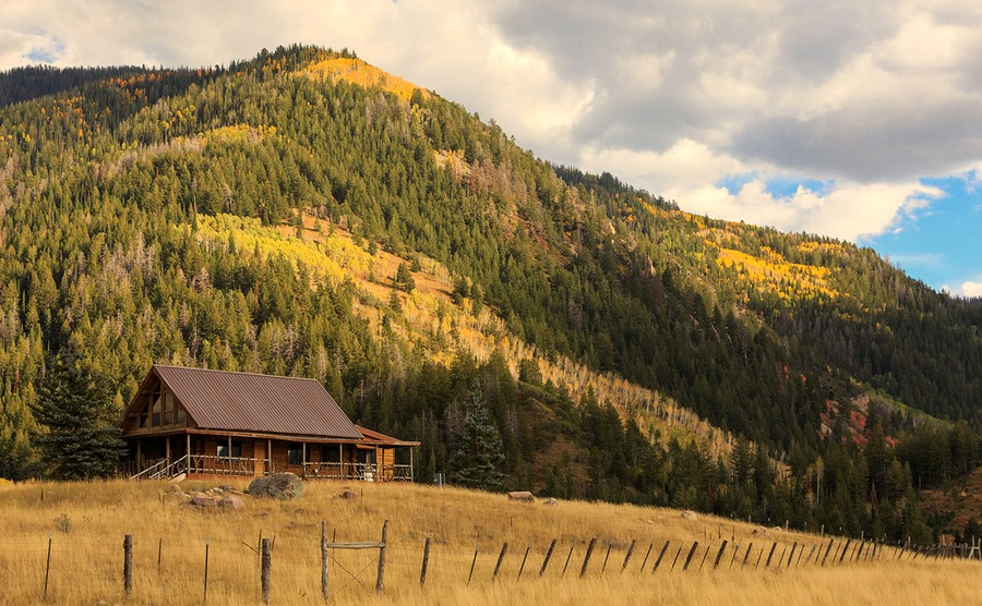 Log homes are far from one-room cabins!