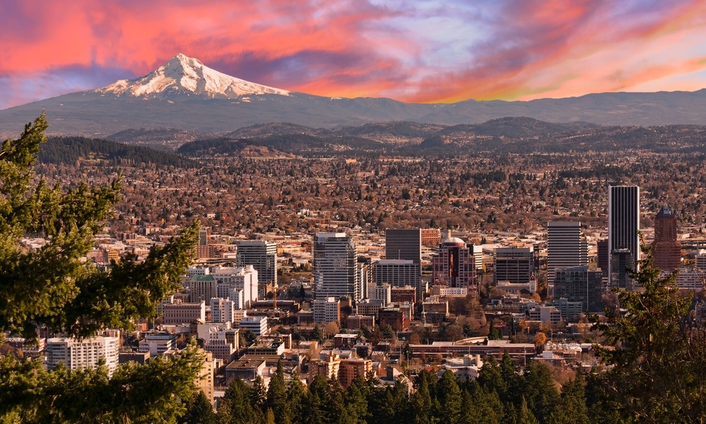 sunrise-view-of-portland-oregon-from-pittock-mansion