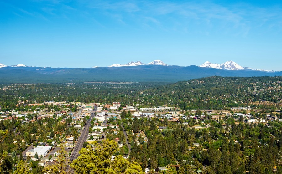 view-of-bend-and-part-of-the-cascade-mountain-range-in-central-oregon