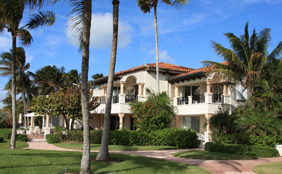 Many villas feature elements of Spanish colonial revival architecture.