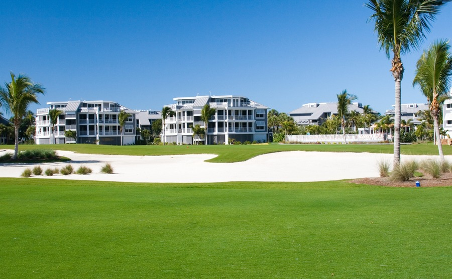 Many upmarket apartment complexes give access to excellent leisure facilities – perhaps even a golf course.